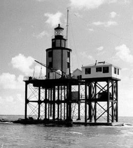 GalvestonJettyLighthouse_2